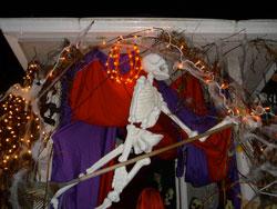 i-4bb4dc5d4796e3375c93a02050ba3baa-skeleton.jpg